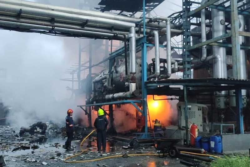 A blast followed by a fire ripped through a textile factory in Boisar town of Palghar, one killed, one missing, 6 hurt