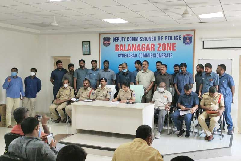 Inter-state gang cheating customers at petrol pumps busted by Cyberabad police