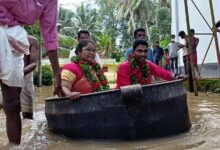 Kerala couple arrives on a cooking vessel for marriage