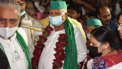 Lalu blasts Nitish in first poll rally after 6 years