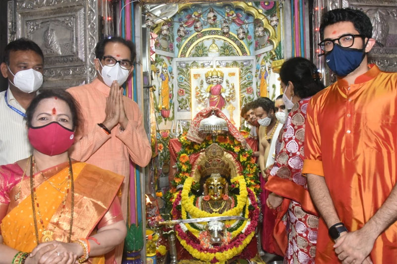 All places of worship in Maha open doors, devotees out in force
