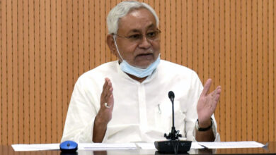 Nitish faces 'youth protest' in poll rally