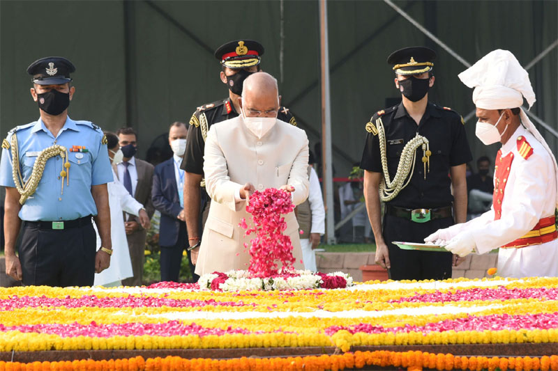 Prez, PM Pay Tributes to Gandhi and Shastri on their Birth Anniversaries
