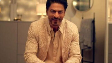 'Boycott Cadbury' Trends after SRK Promotes Local Business in a Viral Ad