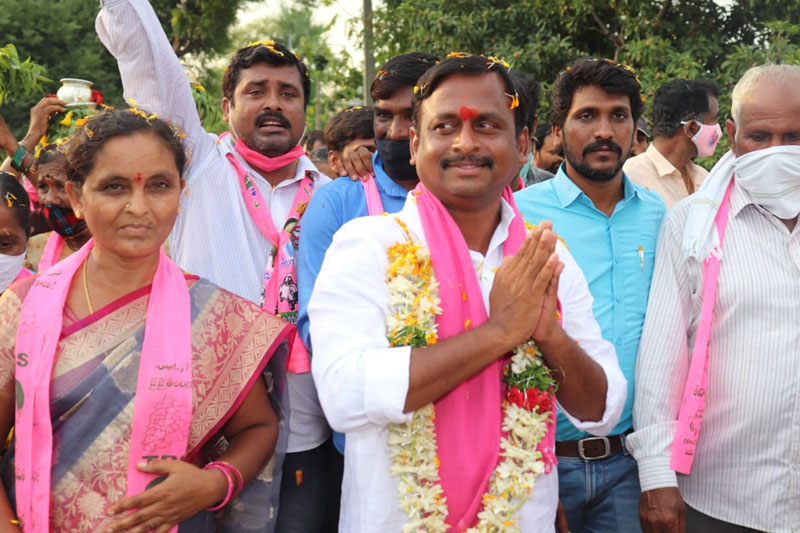 TRS candidate files nomination for Huzurabad on first day